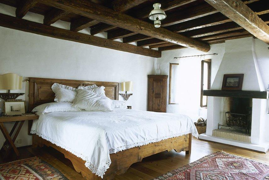 Натуральные материалы для декора спальни