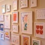 Детские рисунки в рамках - идеальный вариант для декора детской