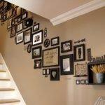 Белая лестница в интерьере дома