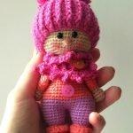 Кукла в шапке