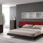 Широкая кровать из дерева