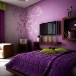 Узоры на стене в спальне