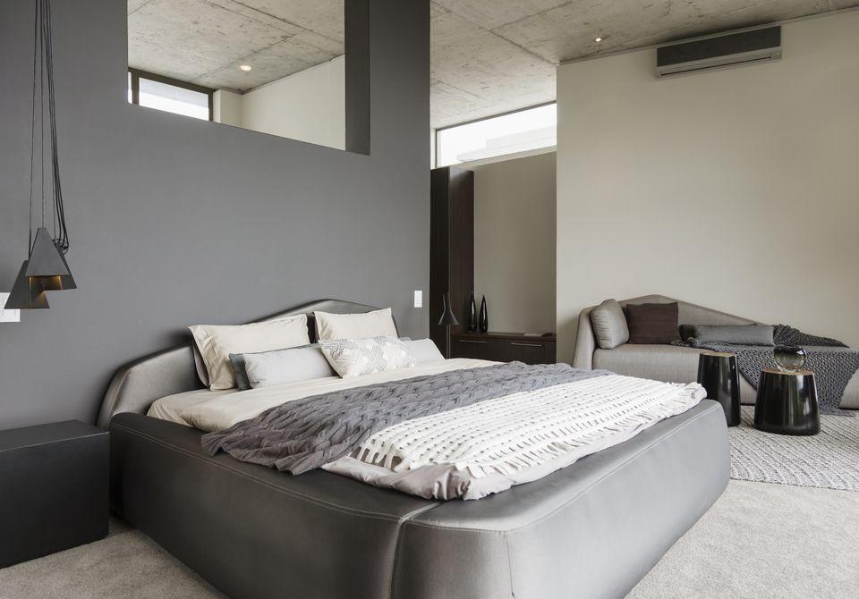 Декор серой спальни