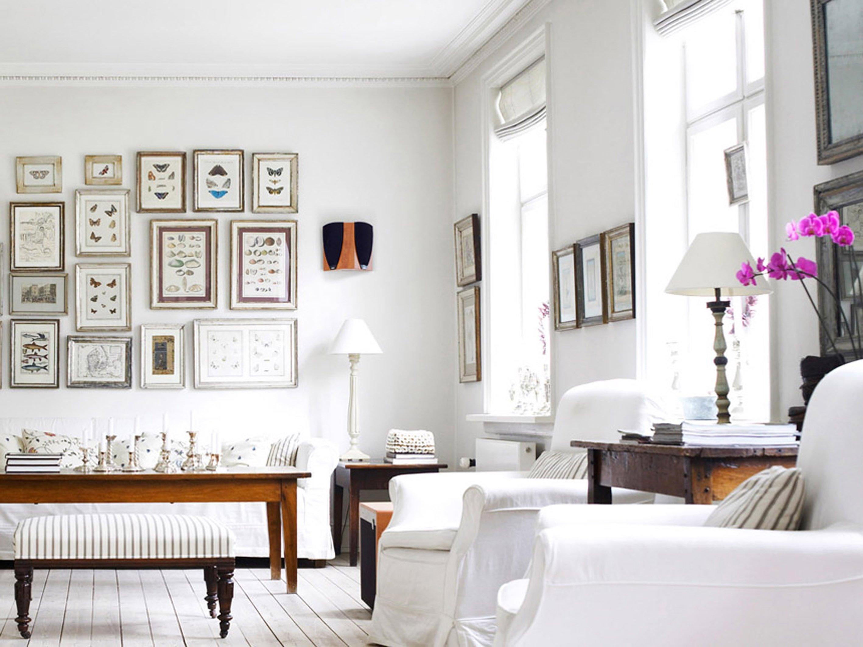 Интерьер с белыми стенами