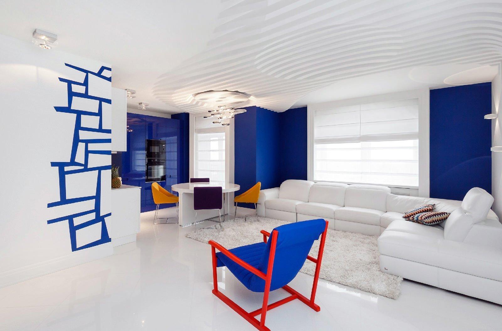 Сине-белые стены в интерьере