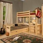 Деревянная мебель в детской