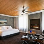Ламинат на потолке в спальне