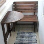 Скамейка и столик из дерева