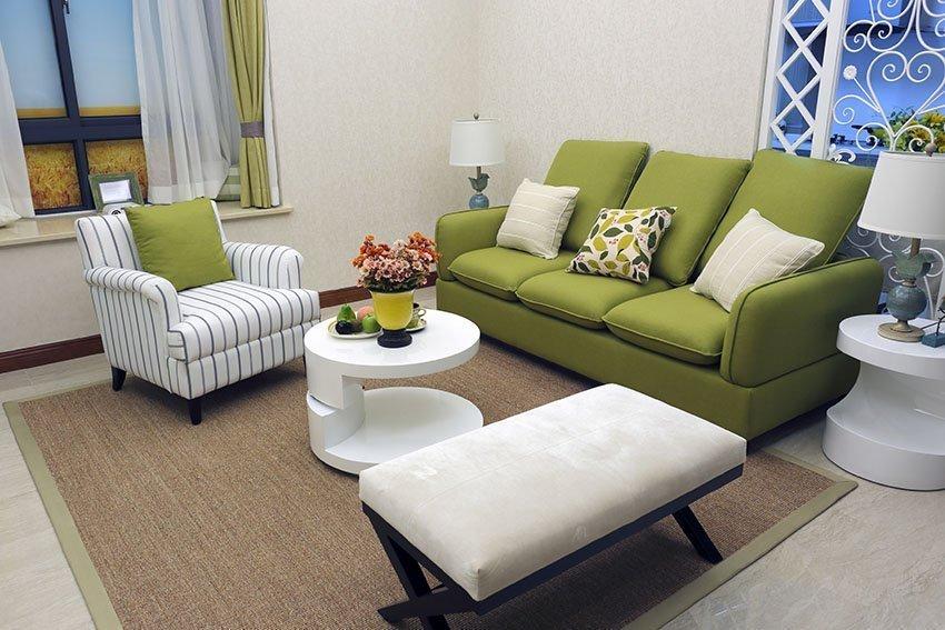 Мягкая мебель для небольшого зала
