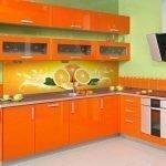 Современная оранжевая кухня