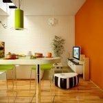 Оранжевая стена на современной кухне