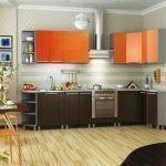 Коричнево-оранжевая кухня