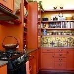 Кухня в цвете терракот