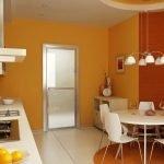 Стены оранжевого цвета на кухне