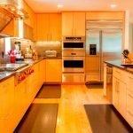 Теплая кухня в частном доме