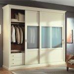 Классический декор гардероба
