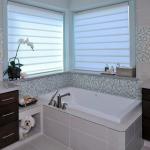 Угловое окно в ванной