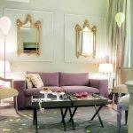 Небольшой диван в классическом стиле