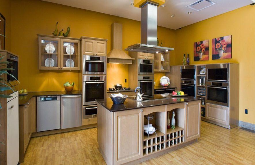 Горчичный цвет в интерьере кухни