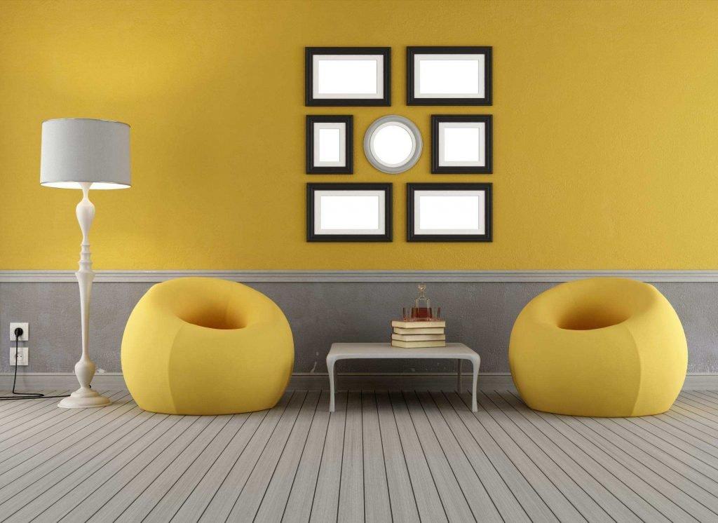 «Горчичный диван в интерьере: 10 золотых правил»
