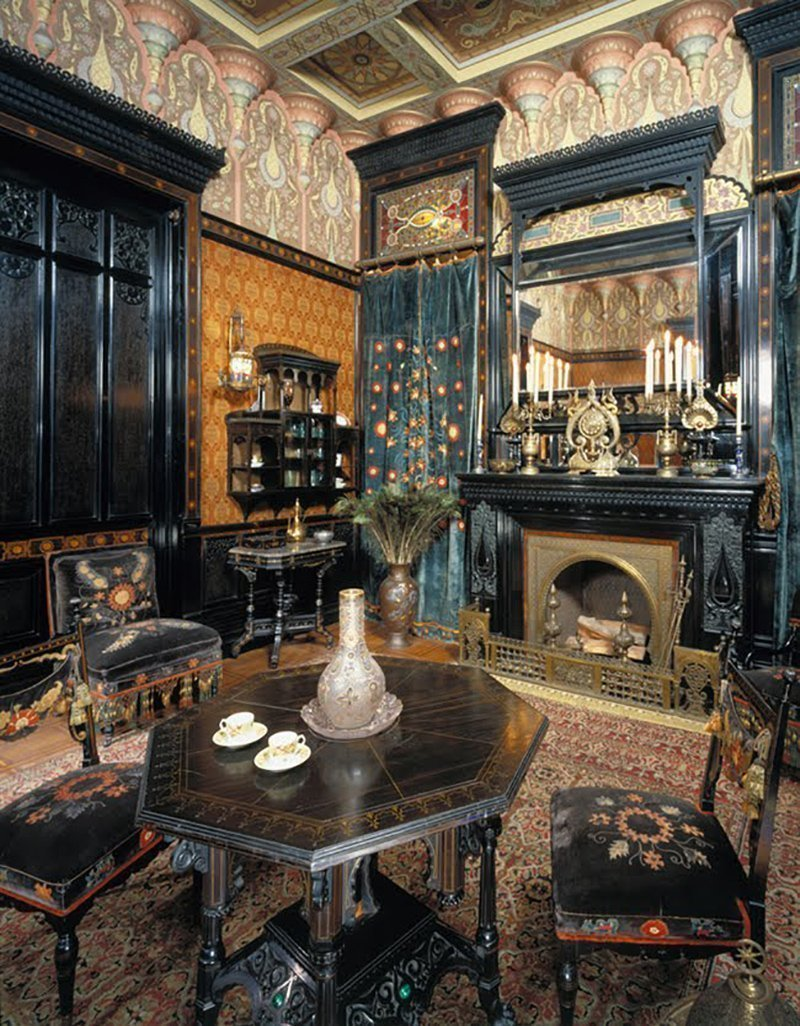Мебель в интерьере в готическом стиле