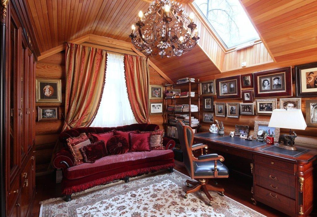 Кабинет в доме из бруса