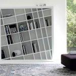 Книжные полки в интерьере: дизайн шкафов и стеллажей 50 фото