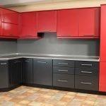 Двухцветная кухонная мебель