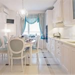 Кухня в стиле прованс с круглым столом