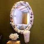 Оформление зеркала ракушками