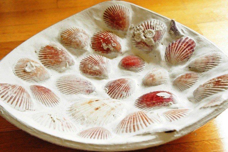 Тарелка из ракушек