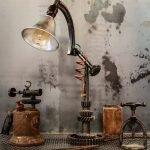 Лампа из шестеренок