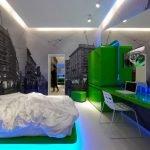 Зеленая мебель в спальне