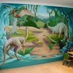 Динозавры на стене