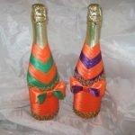 Яркие ленты на бутылках