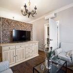 Современная комната в стиле прованс