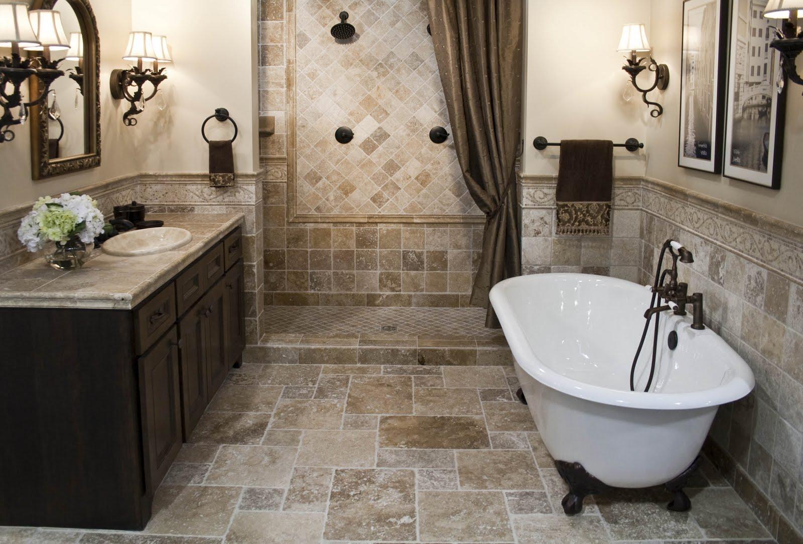 Светло-коричневый кафель в ванной