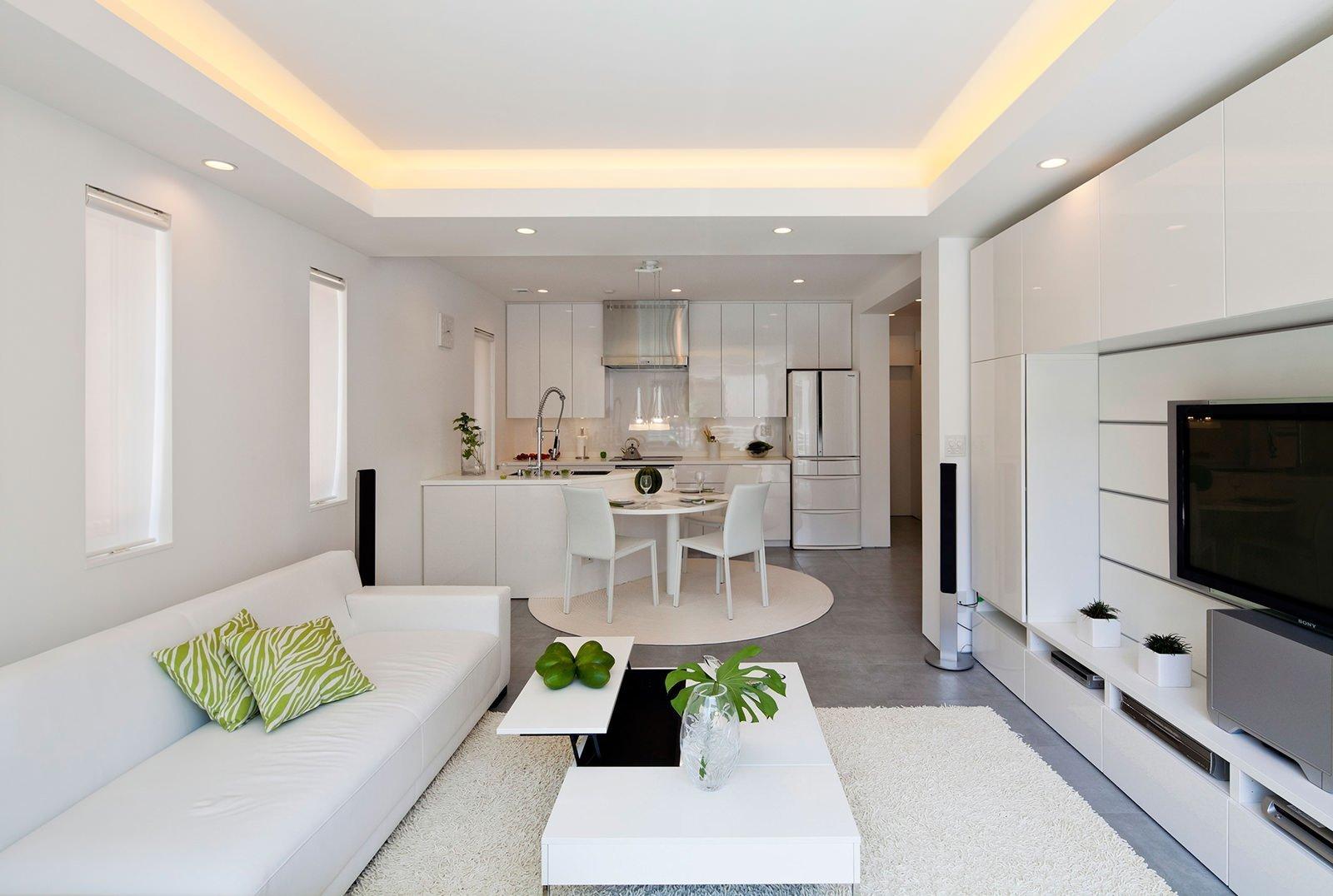 Светлый дизайн кухни-гостиной