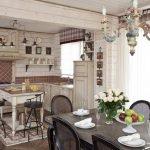 Кухня совмещенная со столовой