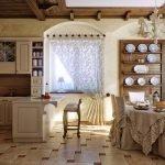 Кухня с рабочей и столовой зонами