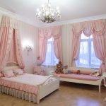 Розовый текстиль