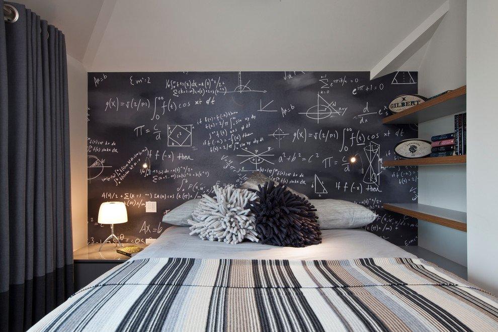 Настенные полки в спальне