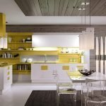 Желто-белая мебель на кухне