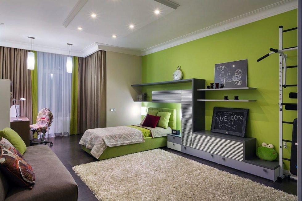 Зеленые стены и коричневые шторы