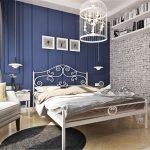 Двуспальная кровать из металла