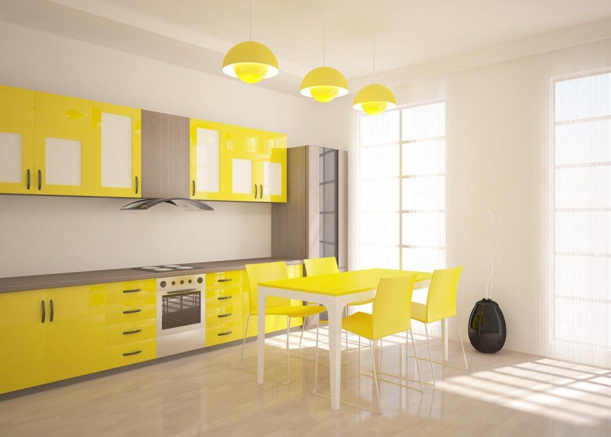 Желтые люстры в белом интерьере