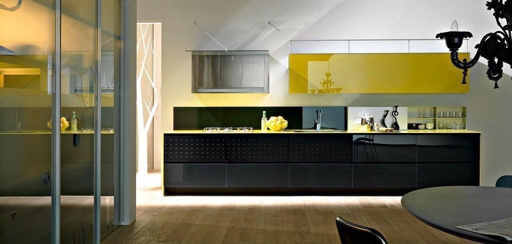Черно-желтая кухня