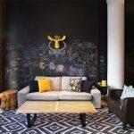 Креативный декор стен в зале