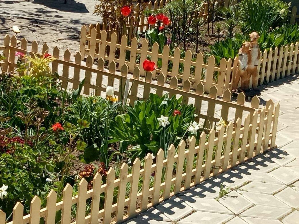 Декоративный забор на участке