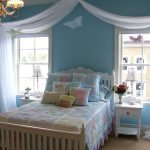 Комната для девочки в голубом цвете